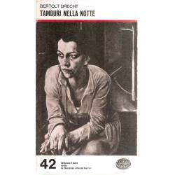 Tamburi nella notte (en italiano)