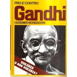 Pro e contro Gandhi (en italiano)